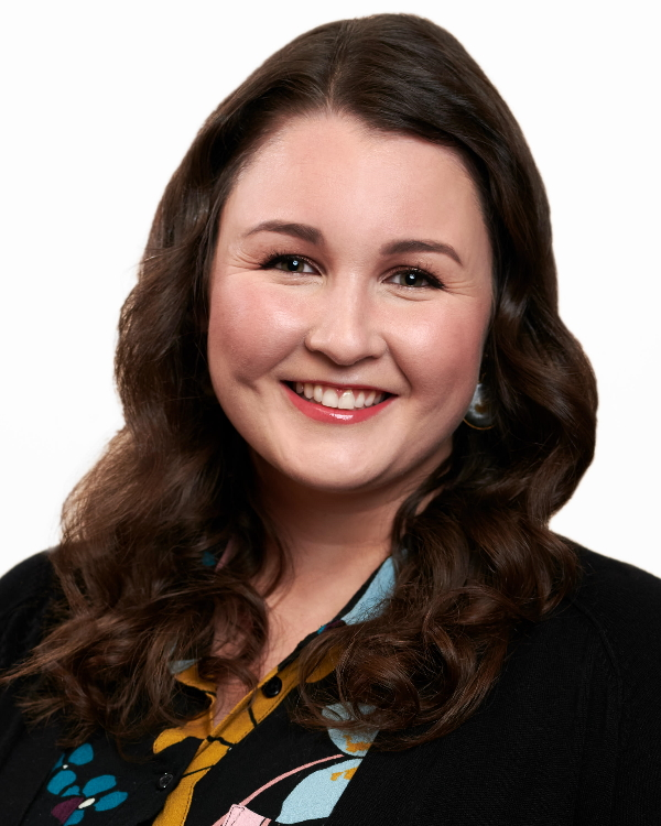 Nicole Clayton, Agenct